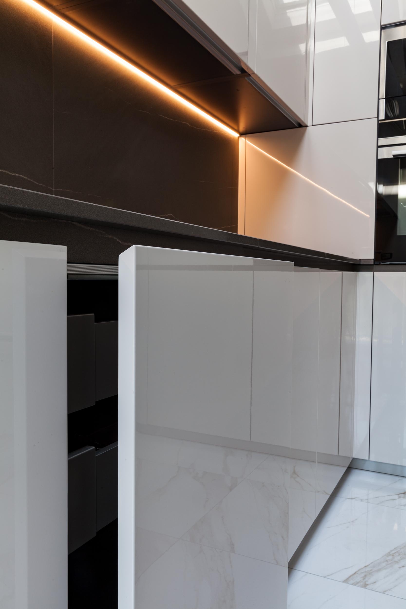 Cucine bagni radiatori marmocasa lavorazione marmi graniti e pietre naturali - Bagni e cucine ...